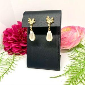 VINTAGE⚜️ELEGANT Faux Pearl Teardrop Earrings